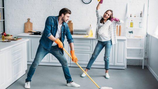 Важность влажной уборки: 5 основных причин